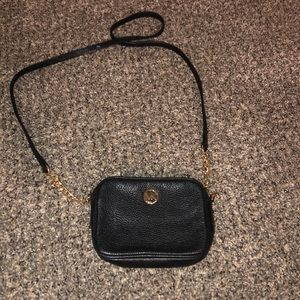 Little cross body Michael kors bag cute lil purse